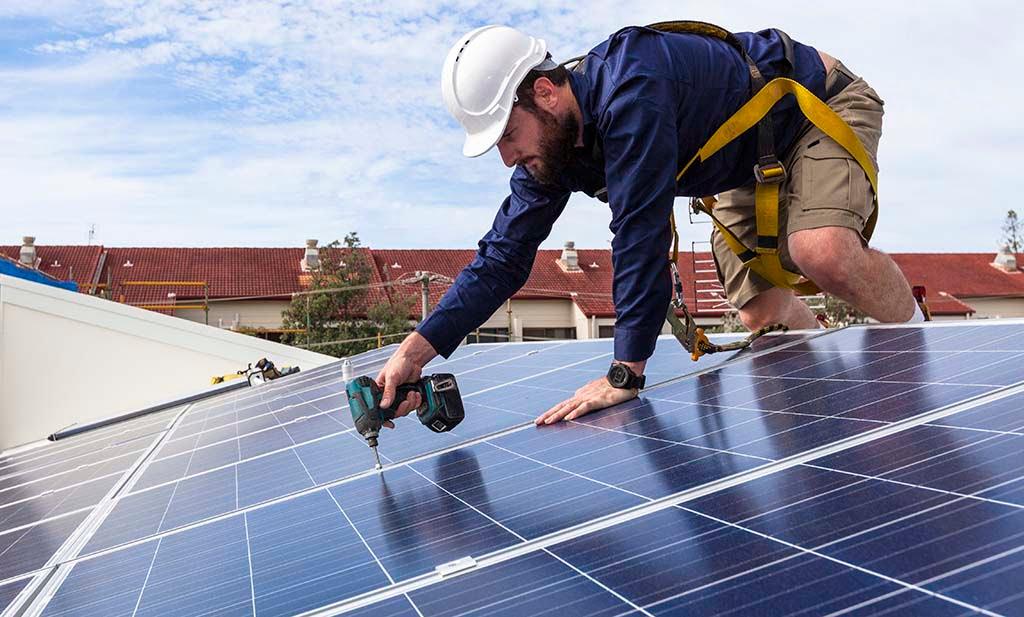 Instalacja fotowoltaiczna – montaż na dachu lub na gruncie